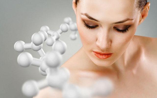 Съставът на хрущяла е изграден от 75% вода, 20% колаген тип 2, 5% хондроитин и хиалуронова киселина.