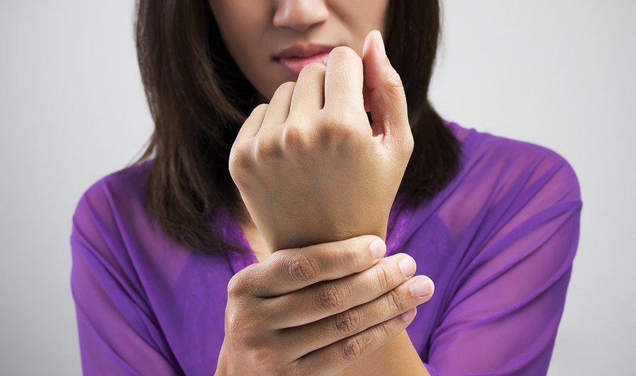 Болките в ставите са провокирани от различни физиологични причини, като могат да се появят болки в ставите на ръцете при бременност