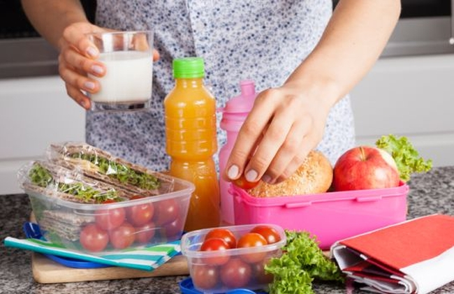 За да поддържаме ставите си здрави, трябва да се храним правилно и да си набавяме калций, витамин С, витамин К, белтъчини, омега-3 мастни киселини и други