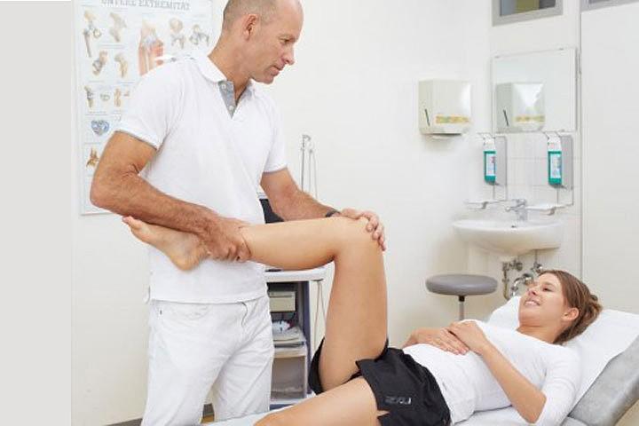 Инфекциите на ставите и костите се лекуват чрез медикаменти, физиотерапия, операция, лечебна физкултура и народна медицина
