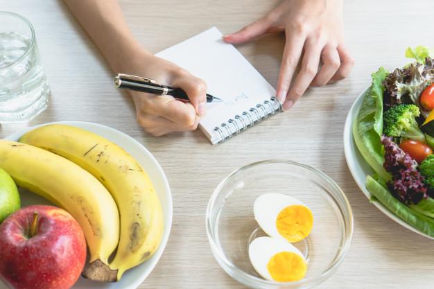 За да спазваме диета при остеоартроза, трябва да знаем каква е калоричността на продуктите