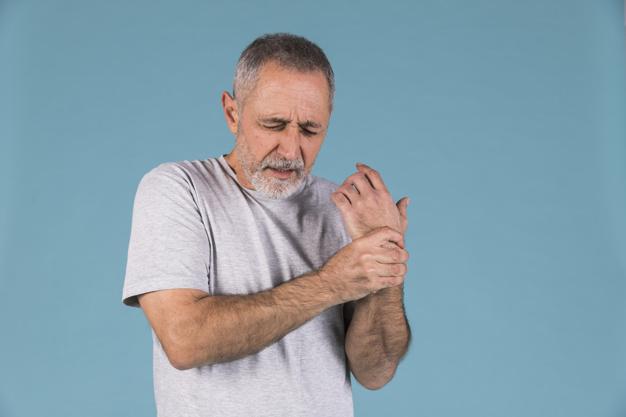 Симптомите на вагалния ринит са скованост, болка в мускулите и ставите, слабост, сънливост, висока температура
