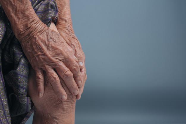 Срещу артрит, артроза, радикулит, подагра помагат тинктури от народната медицина.